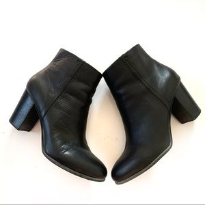 Vionic Ankle Boots size 10 Black Leather Kennedy